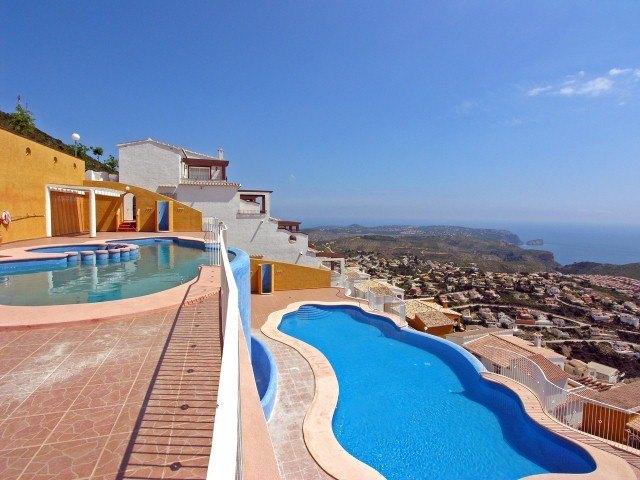 Appartement à vendre à Benitachell, vues panoramiques sur la mer.