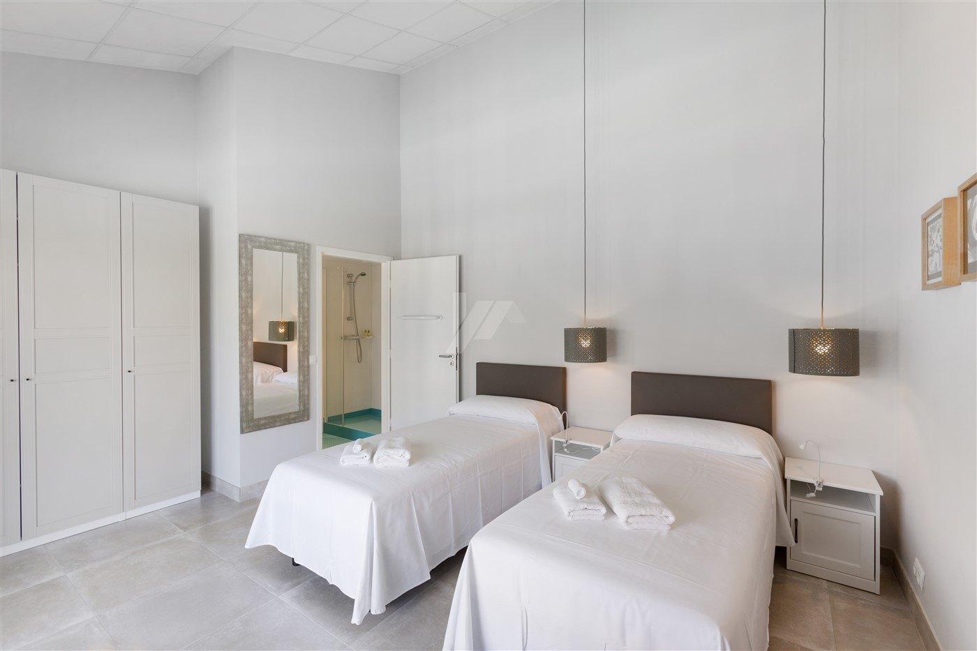 Bel hôtel à vendre à Jávea.